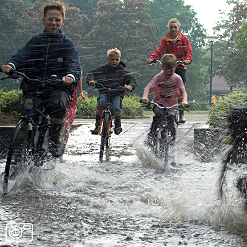 http://drainproducts.nl/wp-content/uploads/2011/08/Duurzaam-waterbeheer-02.jpg
