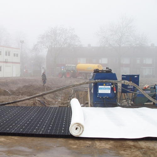 http://drainproducts.nl/wp-content/uploads/2011/09/Geotextiel-03.jpg